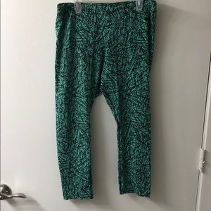 Mint green /black knee length Nike leggings
